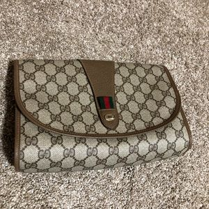 Gucci clutch sherry lane